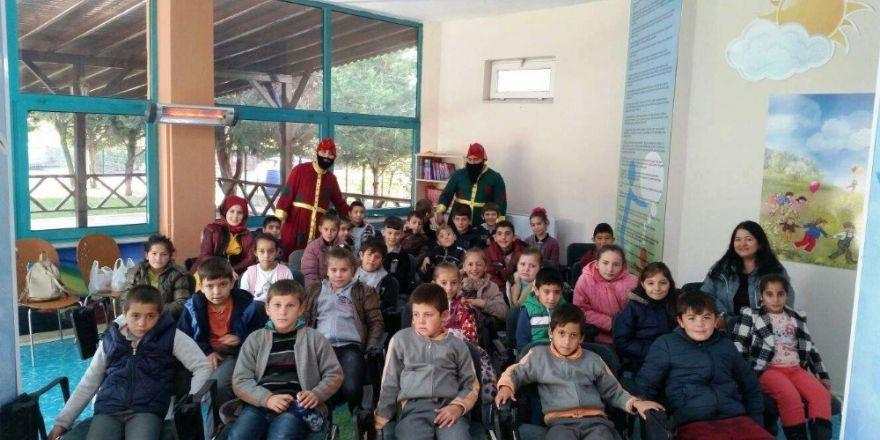 İzmit'te Çocuklara Hakları Anlatılıyor