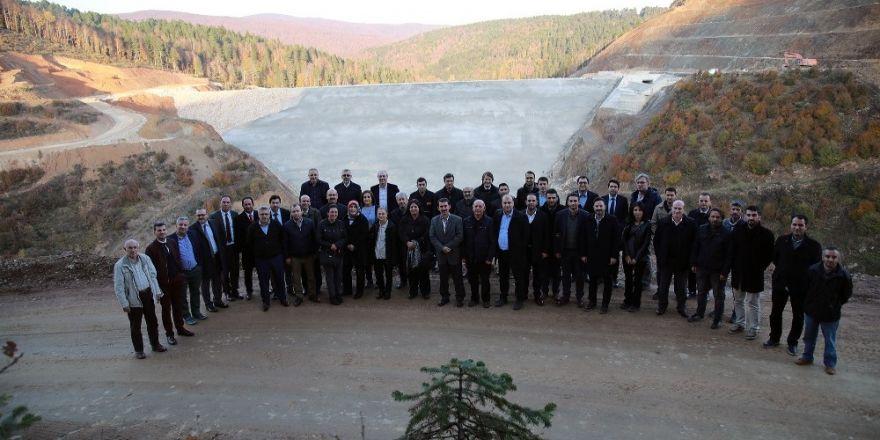 Büyükşehir Bürokratları Akçay Barajını İnceledi