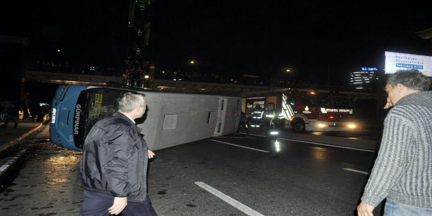 Halk Otobüsü Devrildi: 6 Yaralı