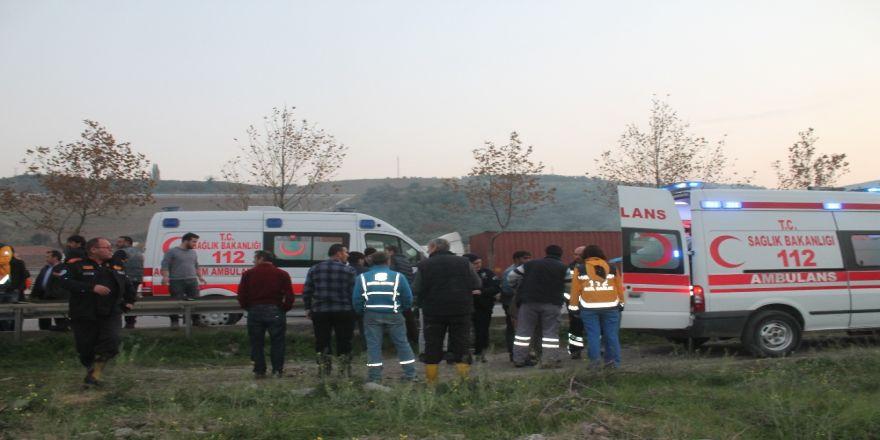 Bursa'da Traktör Devrildi: 6 Yaralı