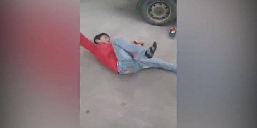 Okula gitmemek için annesini dövdü