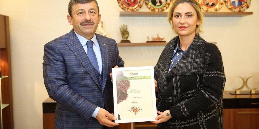 Demirtaş'an Karabacak'a ziyaret
