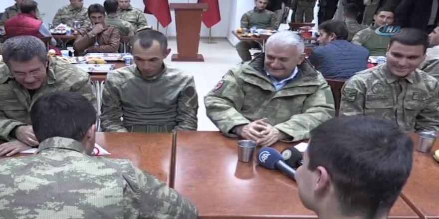Başbakan Yıldırım Dağlıca Askerlerle Bir Araya Geldi