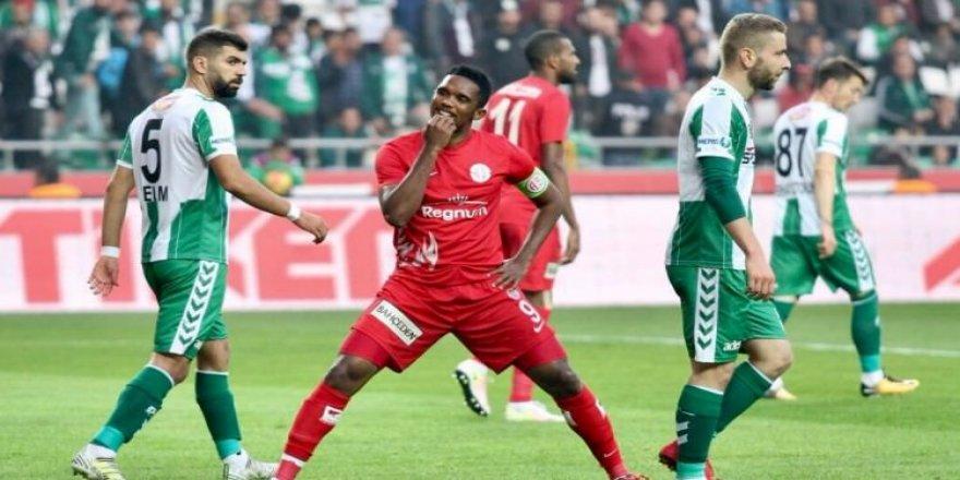 Antalyaspor puanı Eto'o ile kurtardı!
