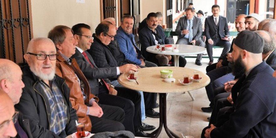 Vali Aksoy, vatandaşın arasında