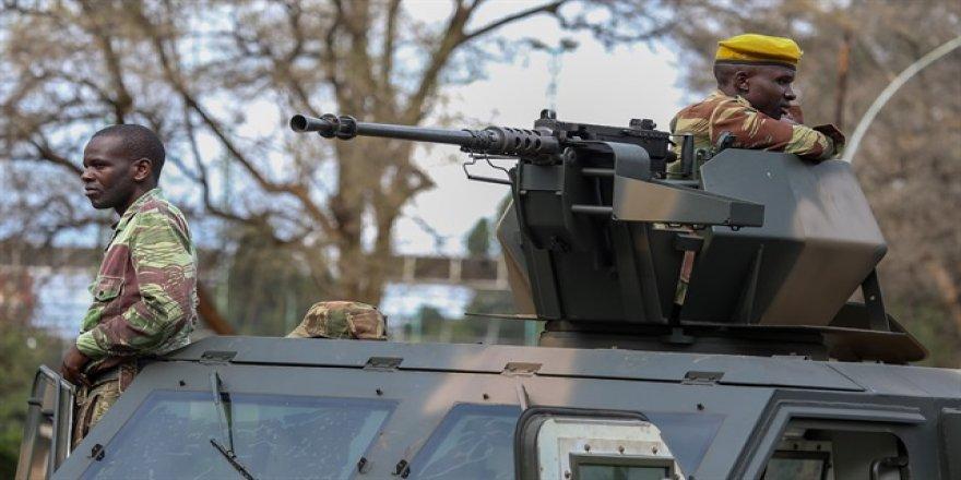 Zimbabve lideri Mugabe ile ordu bir kez daha görüşecek