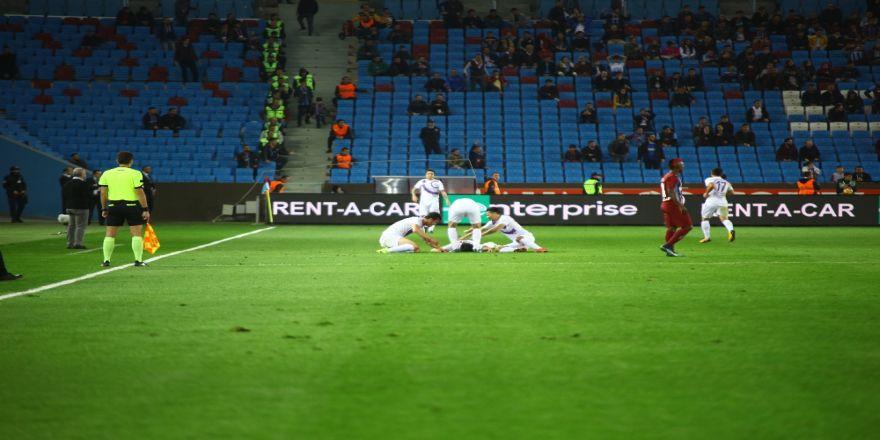 Trabzon'da İlk Yarıda Gol Düellosu