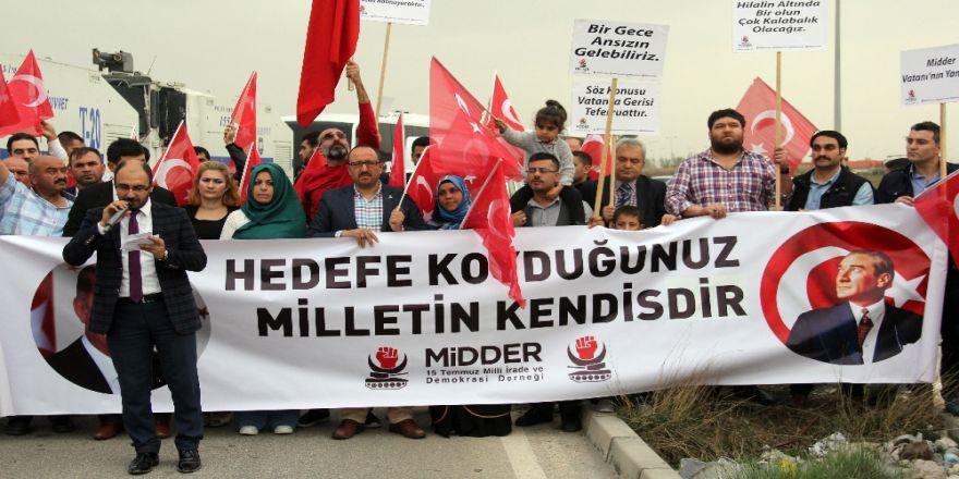 İncirlik'te Nato Protestosu