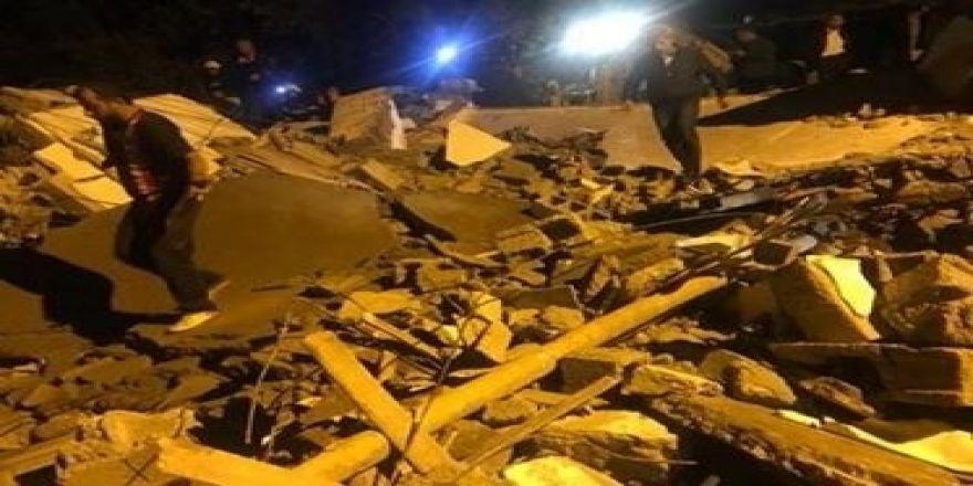 2 Katlı Kerpiç Ev Çöktü: 1 Ölü, 6 Yaralı
