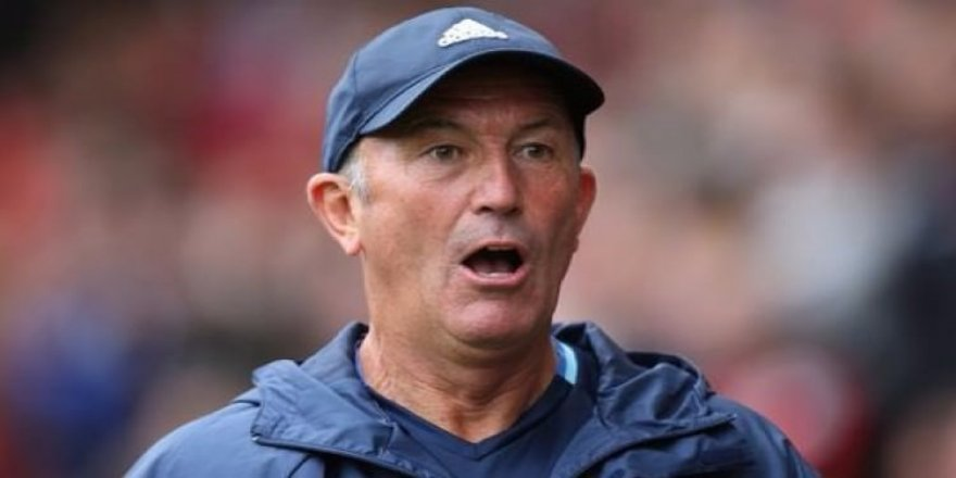 Tony Pulis'in görevine son verildi