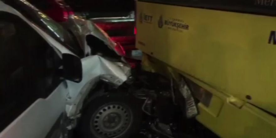 Metrobüs Yolunda Kaza: 1 Yaralı