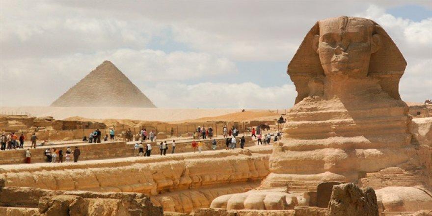 Mısır çalınan tarihi eserlerini geri alıyor