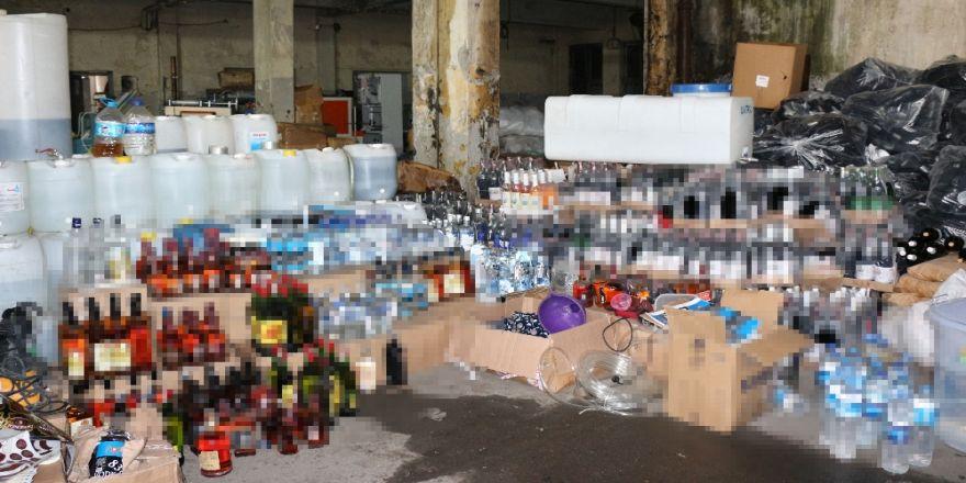 10 Ton Metil Alkol Ve 120 Bin Şişe Sahte İçki Ele Geçirildi