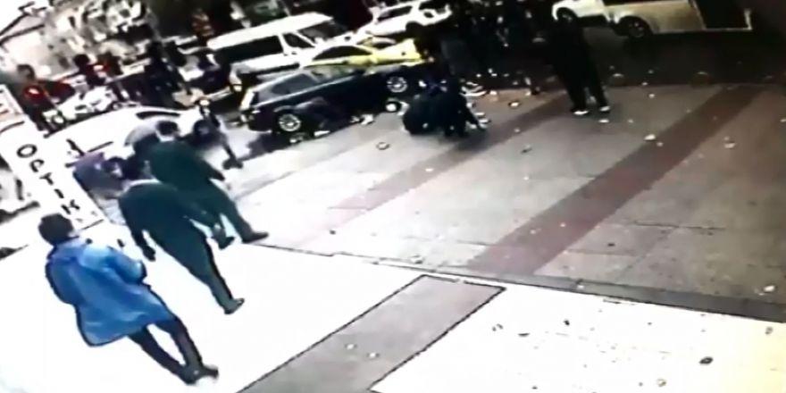 Kavga Sırasında Binlerce Lira Yola Savruldu