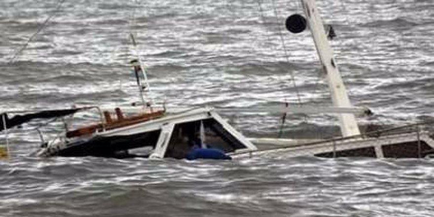 Japon balıkçı teknesi battı
