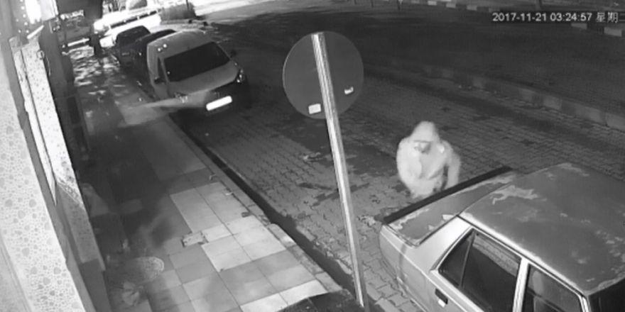 Hırsızı Patates Atarak Kovaladı