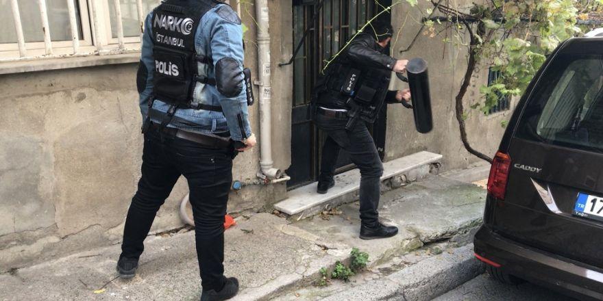 İstanbul'da Zehir Tacirlerine Operasyon