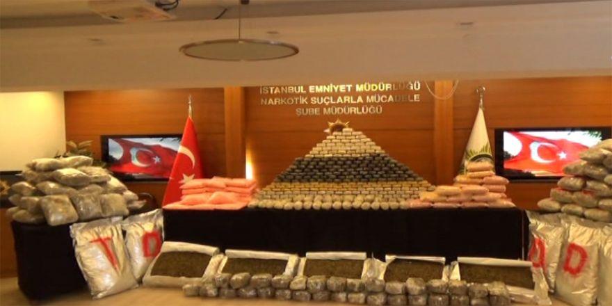 İstanbul'da Zehir Tacirlerine Darbe: Tam 710 Kilo...