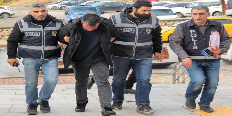 Sahte Savcıdan 700 Bin Tl'lik Vurgun