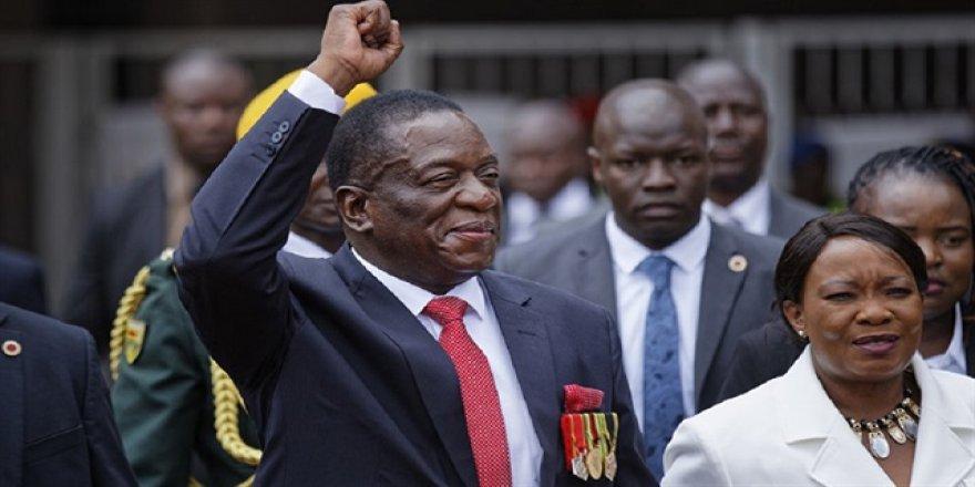 Zimbabve'de yeni başkan yemin etti