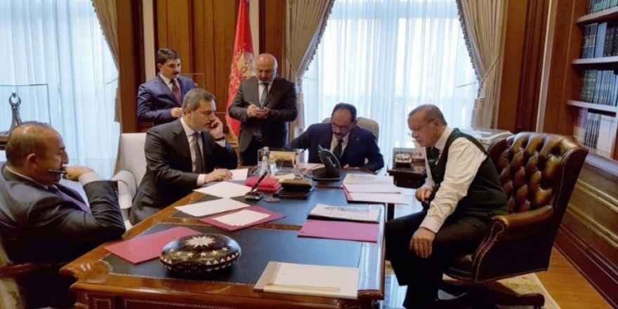 Cumhurbaşkanı Erdoğan'ın Paylaştığı Fotoğrafta Dikkat Çeken Detay