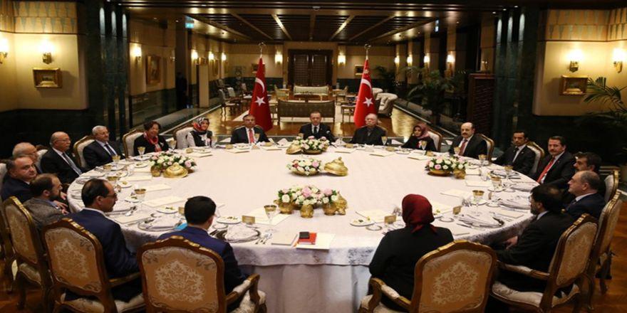 Cumhurbaşkanı Erdoğan Eğitimcilerle Bir Araya Geldi