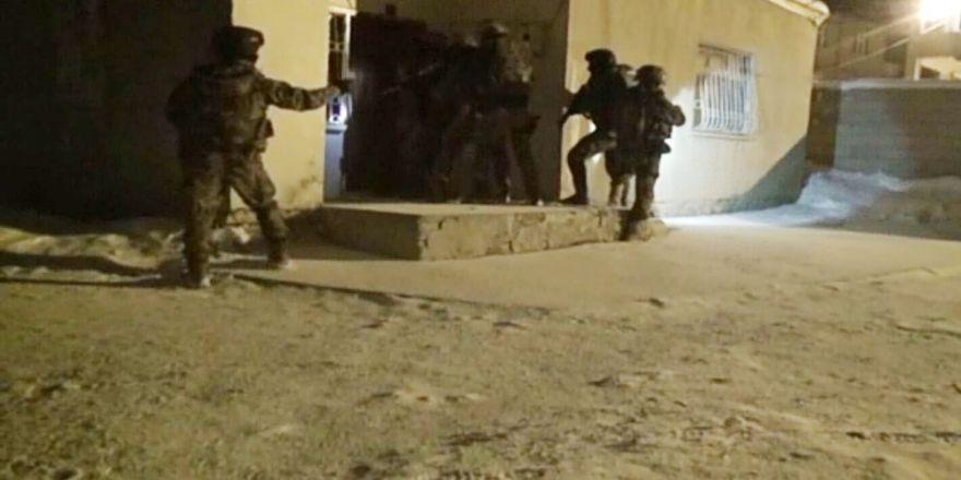 Van'da Terör Operasyonu: 12 Gözaltı