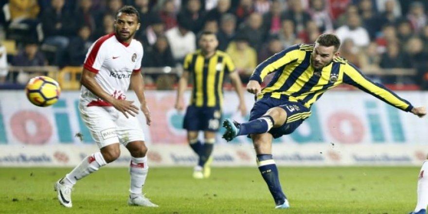 Fenerbahçe'de Janssen cezalı