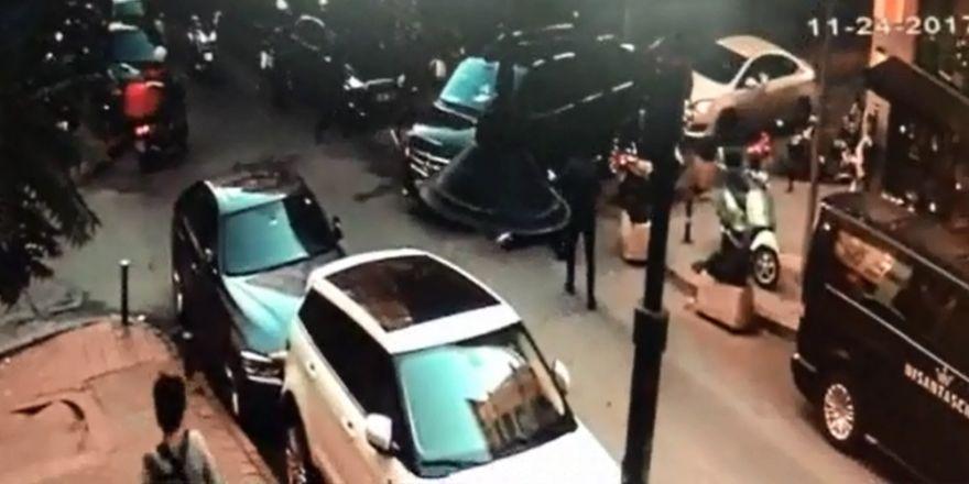 Nişantaşı'nda Kadına Lüks Minibüs Çarptı