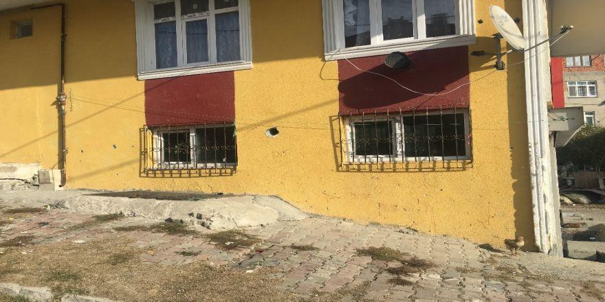 200 Pakistanlı Yunanistan Diye Arnavutköy'e Bırakıldı