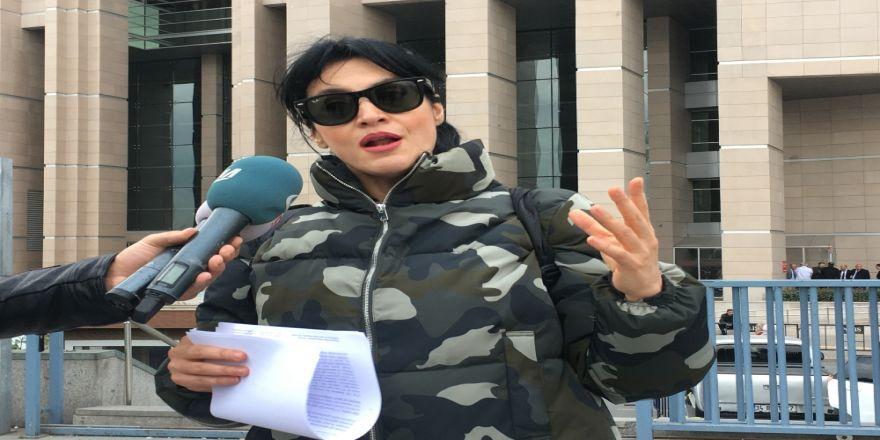 Ünlü Şarkıcıdan Nur Yerlitaş Hakkında Suç Duyurusu