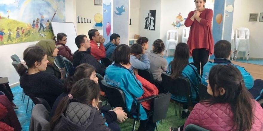 İzmit Belediyesi Çocukları Uyarıyor