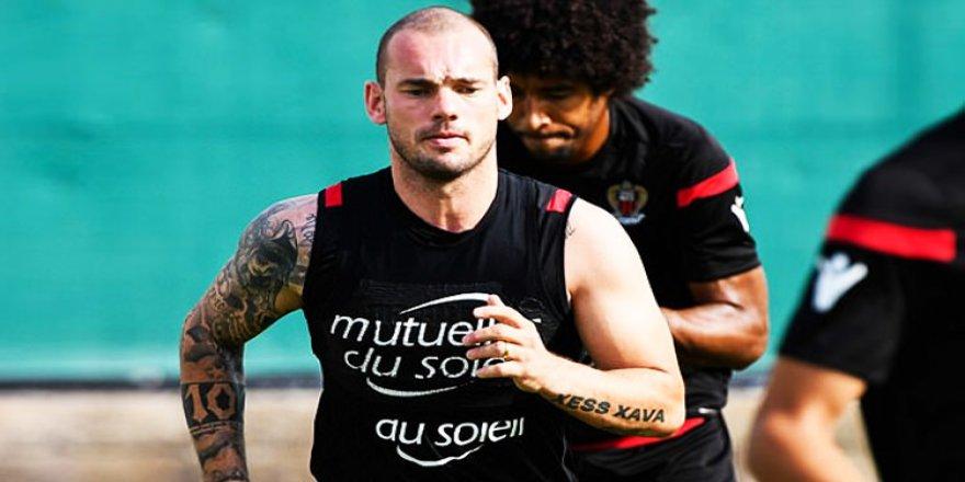 Sneijder ayrılıyor!