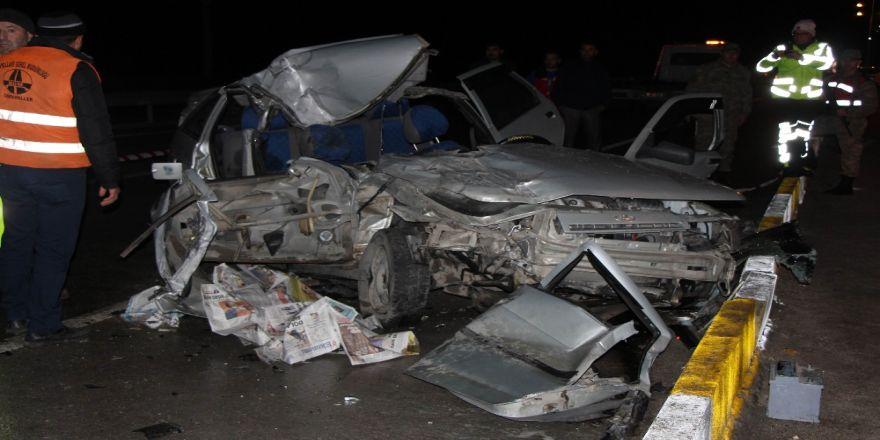 Feci Kaza: 2 Ölü, 4 Yaralı