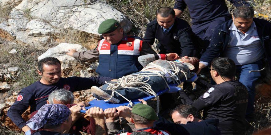 Dağda mahsur kalan çocukların kurtarılma anı