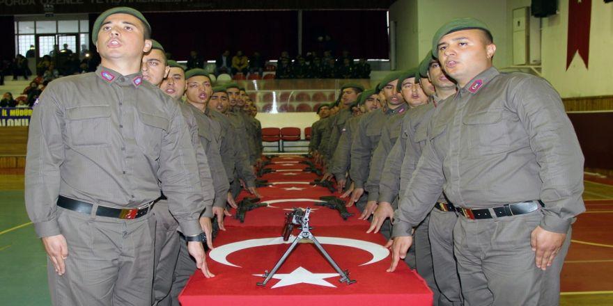 Kısa dönem askerler yemin etti
