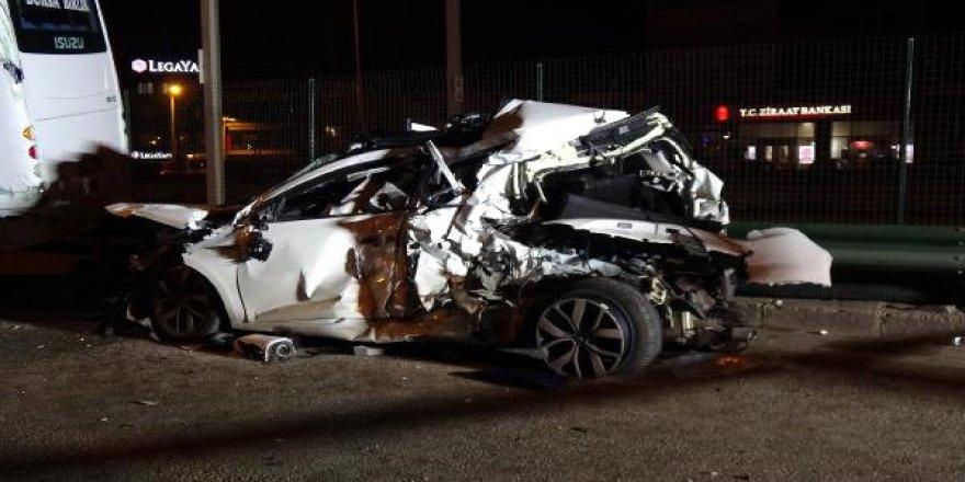 Makas atarak ilerleyen araç, zincirleme kazaya yol açtı