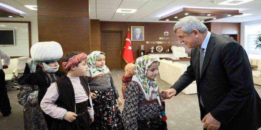 Başkan Karaosmanoğlu, Grup Turkuaz'ı kutladı