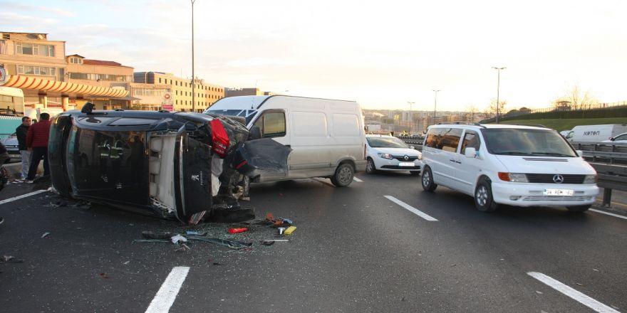 E-5'te Trafiği Felç Eden Kaza