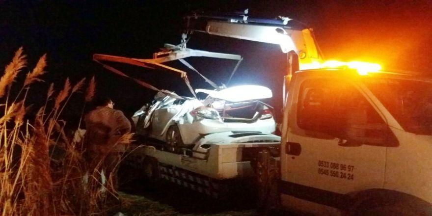 Otomobil Şarampole Devrildi: 2 Ölü, 2 Yaralı
