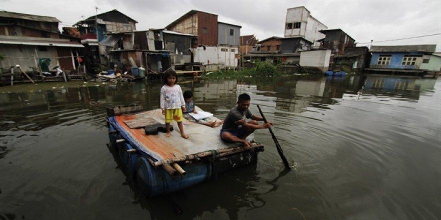 Endonezya'da kasırga: 20 ölü