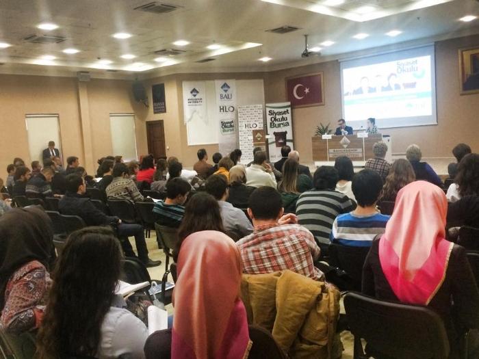 Türkkan'dan hükümet ve liderlik okulunda çarpıcı mesajlar