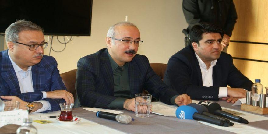 """""""Kılıçdaroğlu Tek Ayak Üstünde Kırk Yalanın Belini Büküyor"""""""