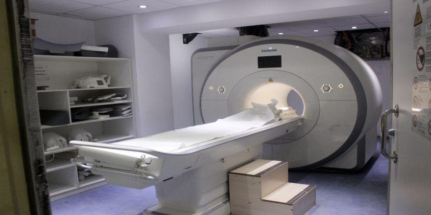 Metal eşyalar hem cihaza hem hastaya zarar verebiliyor