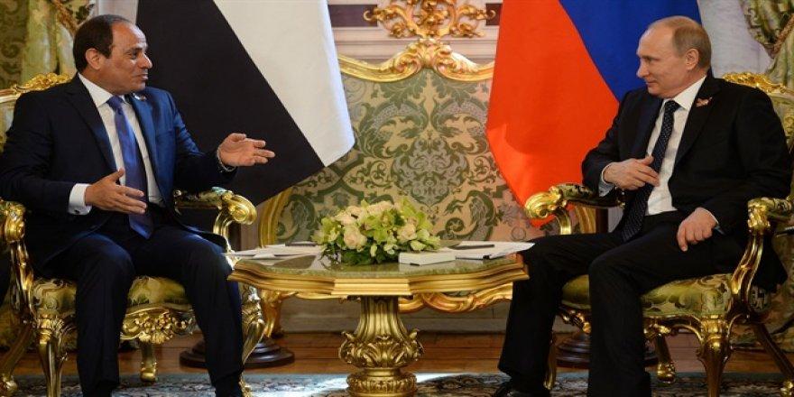 Putin, Sisi ile telefonda 'Ortadoğu'yu konuştu