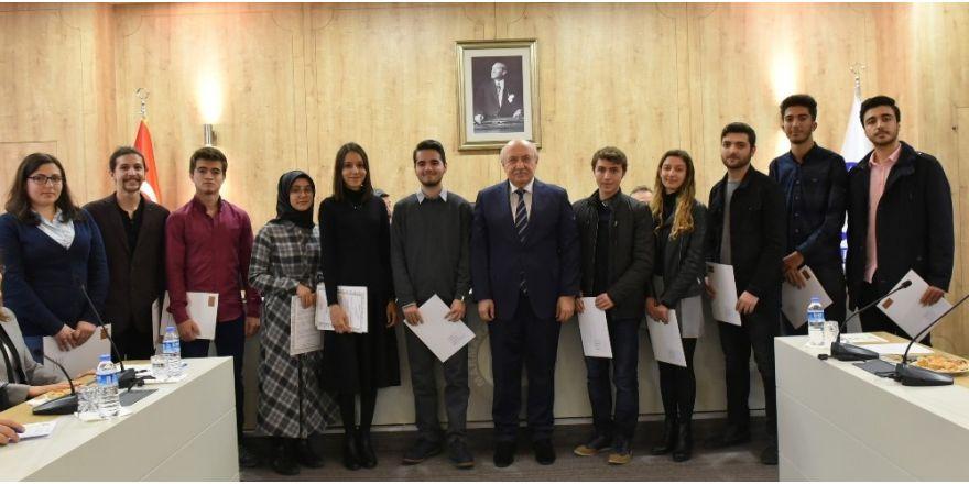 YÖK'ten Marmara Üniversitesi fakülte birincilerine başarı belgesi