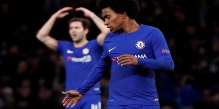 Chelsea liderliği kaçırdı