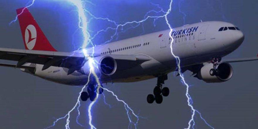 THY uçağına yıldırım çarptı!