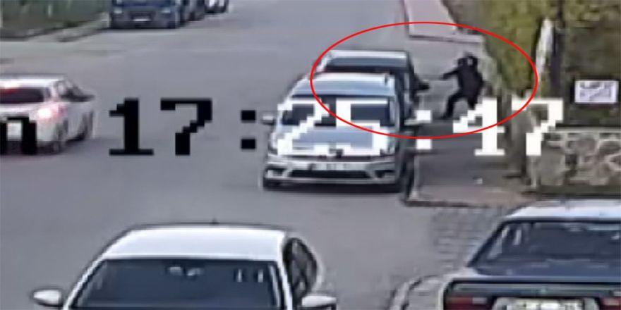 Gelin arabasından altın hırsızlığı kamerada