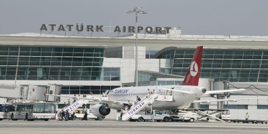 Türkiye'de havalimanlarını 179 milyon kişi kullandı